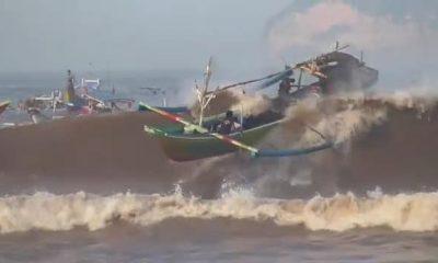 4 Kapal Nelayan Tenggelam Diterjang Ombak