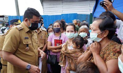 Walikta Bobby Nasution Bantu Korban Kebakaran Sicanang