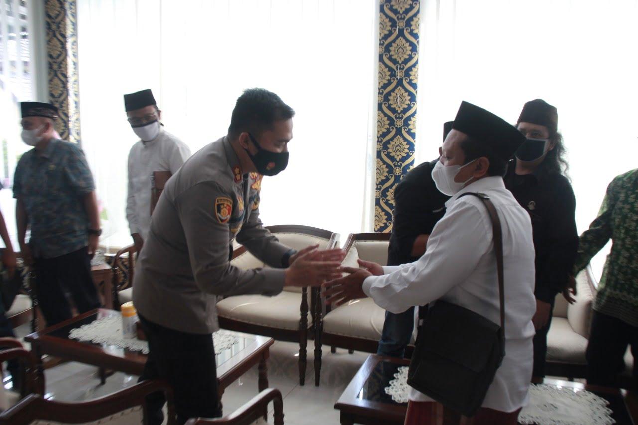 Kapolres Jember Terima Kunjungan Silatuhrahmi Pengurus PC Pagar Nusa Jatim