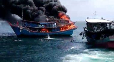 ABK Kapal Terjun Kelaut Akibat Kebakaran Kapal