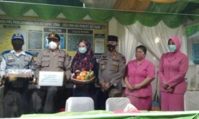Ketua Bhayangkari Polrestabes Medan Bagikan Bingkisan di Sektor Percut Sei Tuan