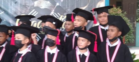 "SD Advent Pasir Putih Siak Hulu Kampar Gelar Congrats Grad ""Graduation"""
