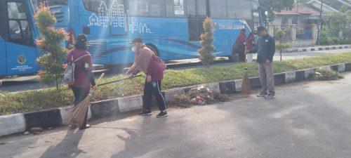 Desa Pandau Jaya Siak Hulu Kampar Laksanakan Giat Gotong Royong Jumat Barokah