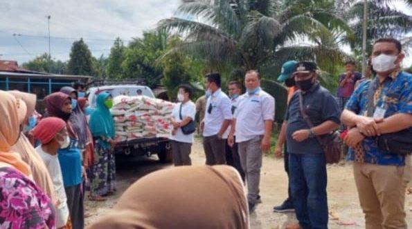 Warga Terdampak Banjir & Terpencil Terima Bantuan Dari Kadin Batu Bara