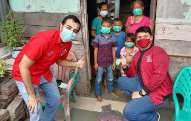 PSI Medan Barat Bagikan Rice Box Secara Gratis
