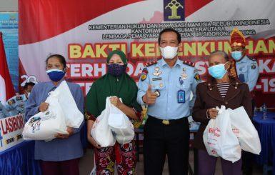 Lapas Klas IIB Siborongborong Bagikan Sembako dan Obat