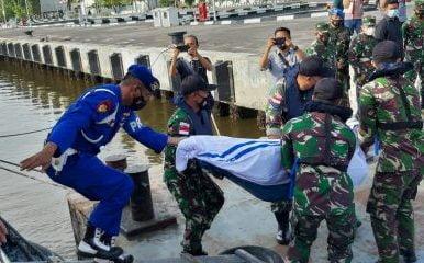 TNI AL Berhasil Temukan Korban KM United Tenggelam di Perairan Pulau Berhala