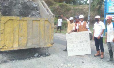 Warga Sambut Baik, PTPN III Kebun Pulau Mandi Perbaiki Jalan Rusak