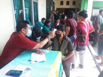 Koramil 16 Bersama Puskesmas Pulau Rakyat Lakukan Vaksinasi