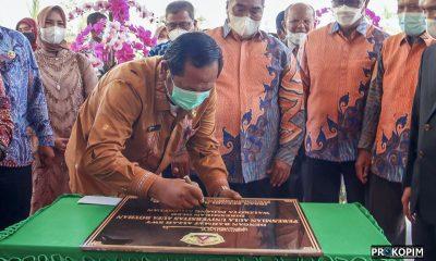 Walikota Sidimpuan Gunting Pita Peresmian Aula UNAR